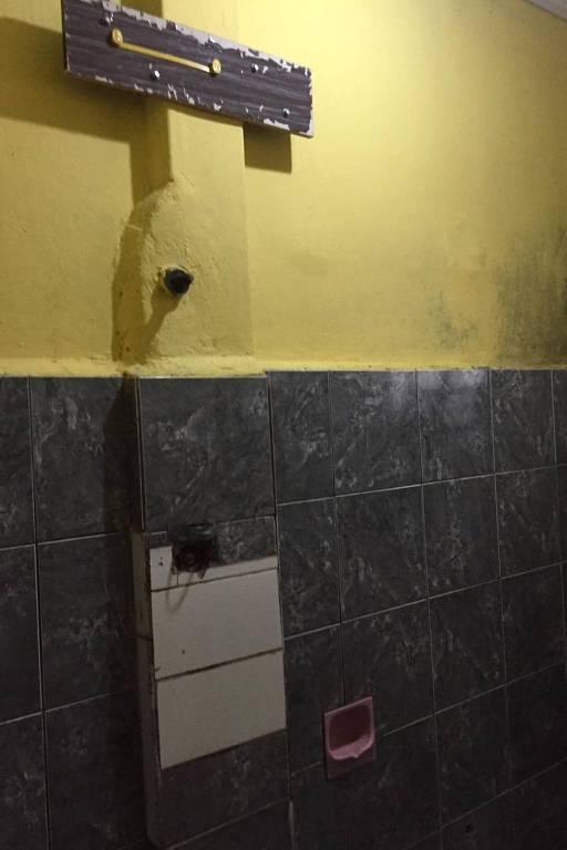 Chuveiro foi furtado em hotel social
