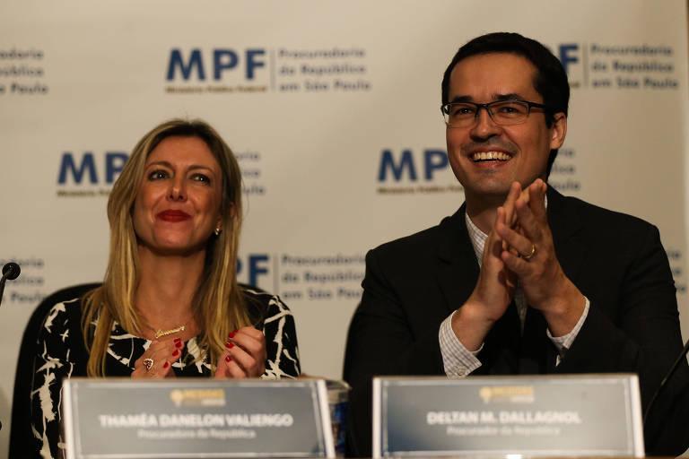 Thaméa Danelon e Deltan Dallagnol durante evento da campanha das 10 Medidas Contra a Corrupção