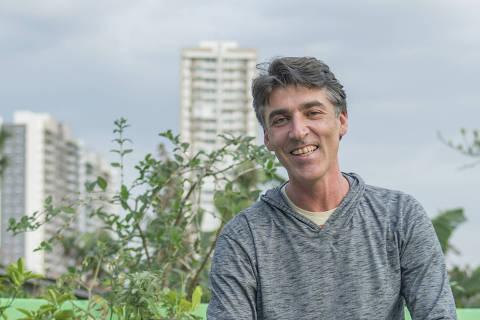 SAO PAULO, SP - 29 AGOSTO: Claudio  Vinícius Spínola, empreendedor social e diretor da Morada da Floresta, posa para foto, no Butanta, em Sao Paulo, em 29 de agosto de 2016. (Foto: Na Lata)******PREMIO EMPREENDEDOR SOCIAL 2016******