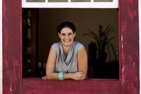 ORG XMIT: 035901_0.tif A comunicóloga Karina Rehavia, finalista do Prêmio Folha Empreendedor Social de Futuro, posa para foto. (Foto: Divulgação) *** PROIBIDA A PUBLICAÇÃO SEM AUTORIZAÇÃO EXPRESSA DO DETENTOR DOS DIREITOS AUTORAIS ***