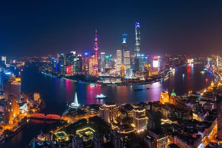 Centro financeiro e comercial de Xangai, o distrito de Pudong é uma vitrine arquitetônica de arranha-céus