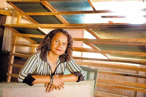 ORG XMIT: 393901_0.tif Sônia Maria da Silva, 43, líder da cooperativa 100 Dimensão que transforma lixo em renda para 200 famílias, na sede da cooperativa, em Brasília (DF). Sônia é uma das finalistas do prêmio