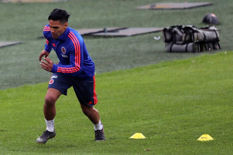 O atacante Radamel Falcao durante treino da seleção colombiana