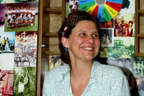 ORG XMIT: 092601_1.tif A historiadora Karen Worcman, 43, fundadora do Instituto Museu da Pessoa.Net em São Paulo (SP). O Instituto foi um dos finalistas do prêmio