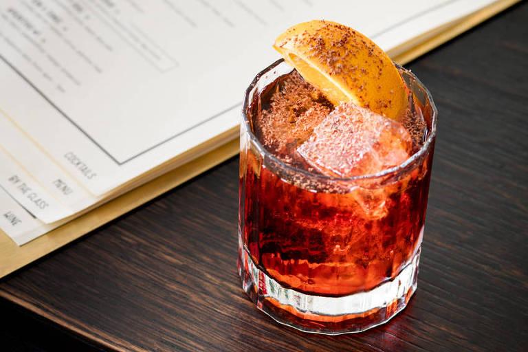 Premiado bar de Nova York serve coquetéis no Astor