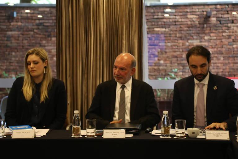 Ao centro, Luis Alfonso de Alba, enviado especial da ONU para questões climáticas; à dir., Carlo Pereira, da Rede Brasil do Pacto Global da ONU
