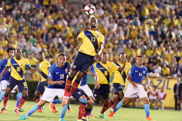 Jogo da Copa América 2016, entre Brasil e Equador, no estádio Rose Bowl