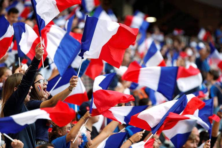 Torcida francesa em partida da Copa do Mundo contra a Noruega
