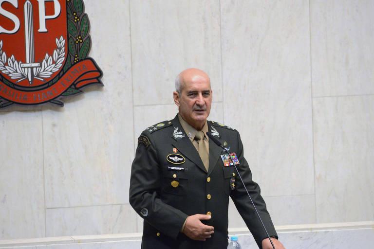 15604783775d0302a9e02f2_1560478377_3x2_md Substituto de Santos Cruz é chefe de militar da ativa mais próximo de Bolsonaro