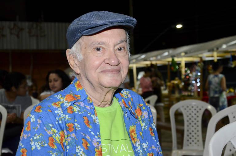 Óscar Ramos, designer da contacultura, morre aos 80 anos