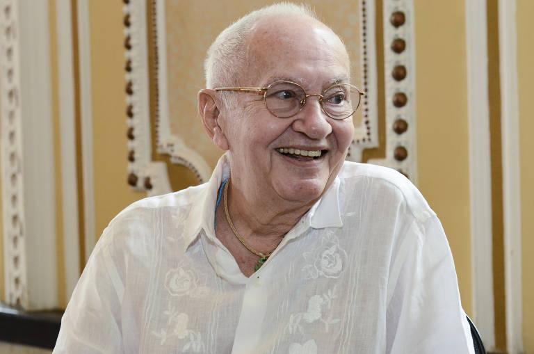 O artista Óscar Ramos