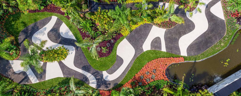 Imagem aérea da exposição 'Brazilian Modern: The Living Art of Roberto Burle Marx', no Jardim Botânico de Nova York
