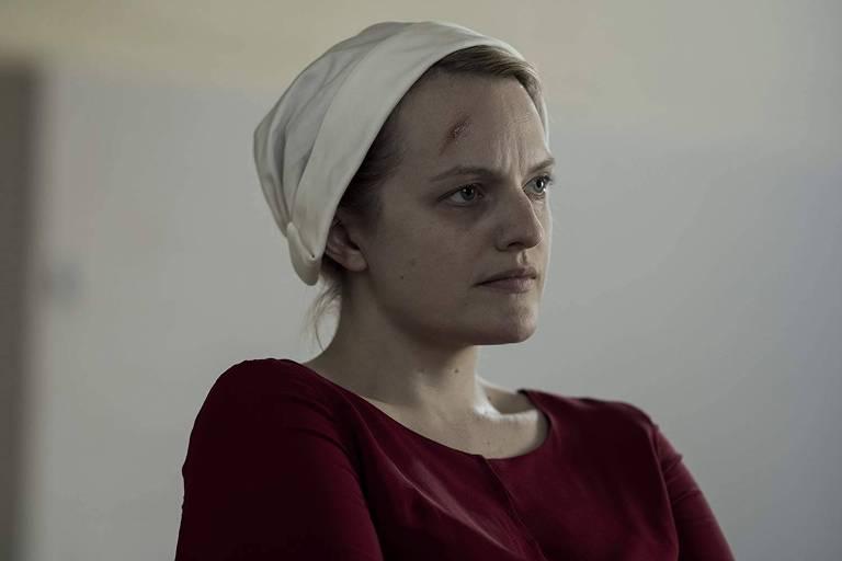 "Elisabeth Moss em ""The Handmaid's Tale"""