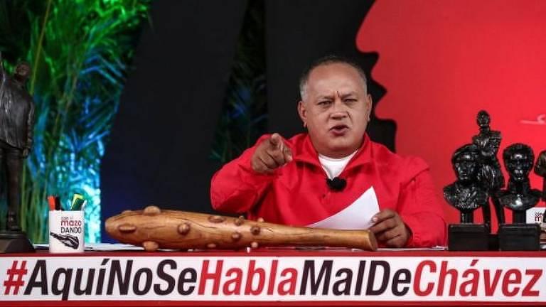 Em algumas ocasiões, a hashtag faz referência a Maduro ou Chávez