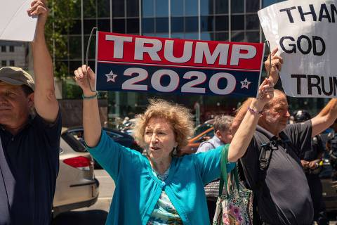 NEW YORK, NY - JUNE 15: Counter-protesters rally against a demonstration calling for the impeachment of U.S. President Donald Trump on June 15, 2019 in New York City. Major cities across the country are expected to hold