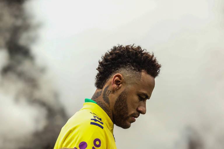 Neymar durante partida amistosa entre as seleções de Brasil e Qatar no estádio Nacional Mané Garrincha, em Brasília (DF)