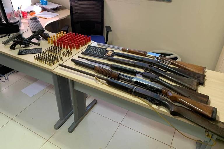 Armas ilegais apreendidas com fazendeiros do entorno da Terra Indígena Apyterewa (PA) suspeitos de matar sindicalista Carlos Cabral