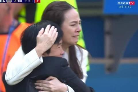 Nualphan Lamsam, da Tailândia, chora com gol da seleção na Copa do Mundo feminina