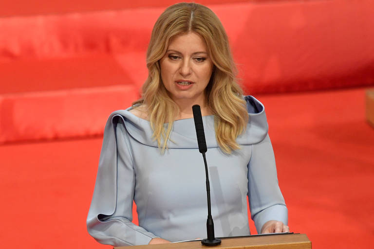 Zuzana Caputova, primeira presidente mulher da Eslováquia, faz discurso
