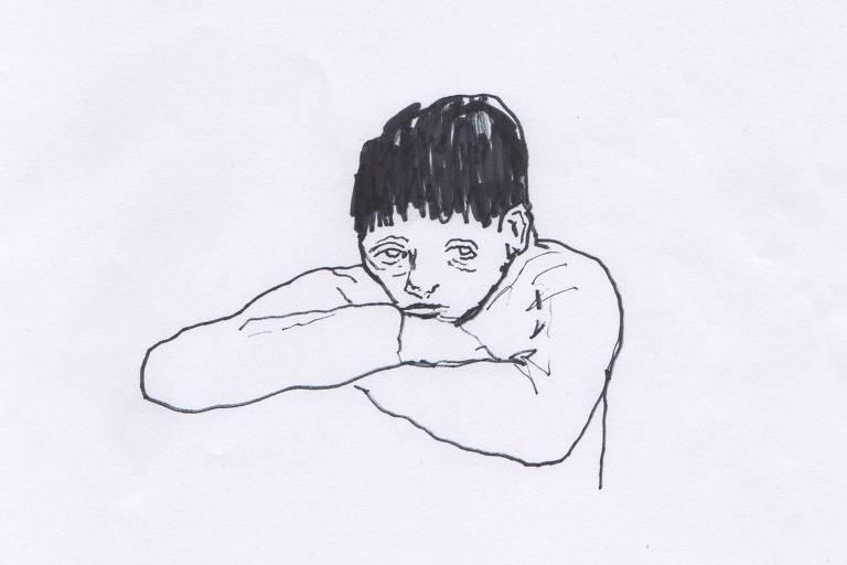 Ilustração em preto e branco de um menino, que apoia a cabeça em sobre seus braços. Seus olhos tem muitas olheiras