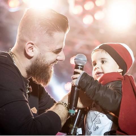 Zé Neto e José Filho: distância por causa da rotina de shows do pai