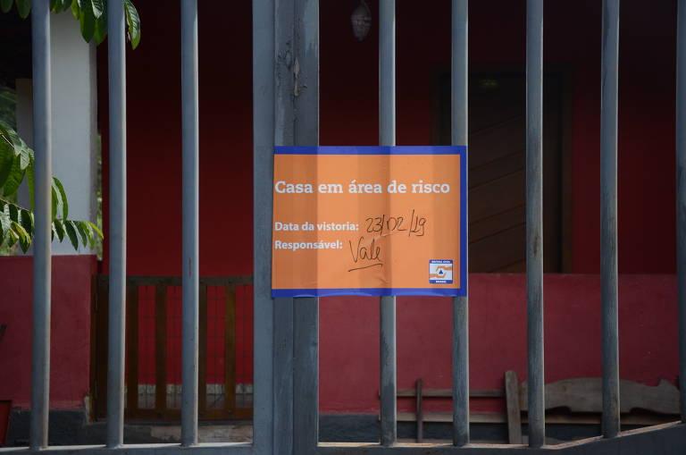 Comunidade de Macacos, em Nova Lima (MG), vive tensão com sirenes da Vale