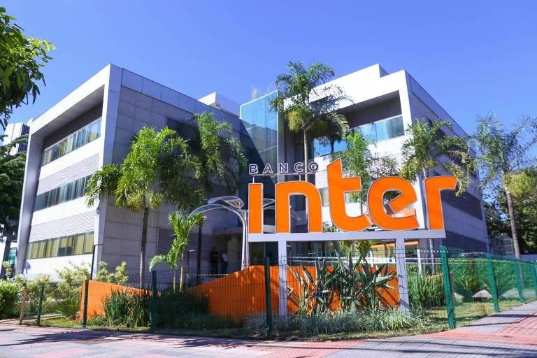 Ações do Banco Inter disparam após investimento do Softbank