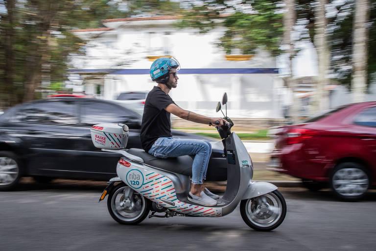 Scooter elétrica da Riba Share na região dos Jardins, zona oeste de São Paulo