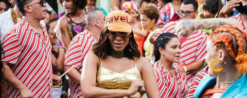 Anitta grava clipe de 'Make It Hot' com Major Lazer na Costa Rica; música foi feita sob encomenda para a marca de rum Bacardí