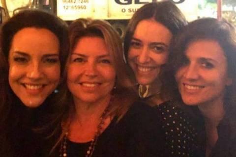Ana Carolina, Naná Karabachian, Roberta Sá e sua namorada Chiara