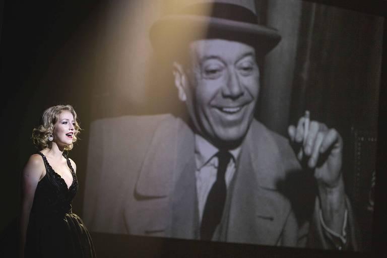 Malu Rodrigues canta na remontagem do musical 'Cole Porter - Ele Nunca Disse que Me Amava', da dupla Charles Möeller e Claudio Botelho