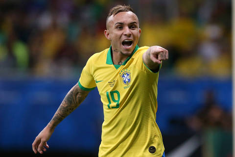 Soccer Football - Copa America Brazil 2019 - Group A - Brazil v Venezuela - Arena Fonte Nova, Salvador, Brazil - June 18, 2019   Brazil's Everton gestures   REUTERS/Edgard Garrido ORG XMIT: AI