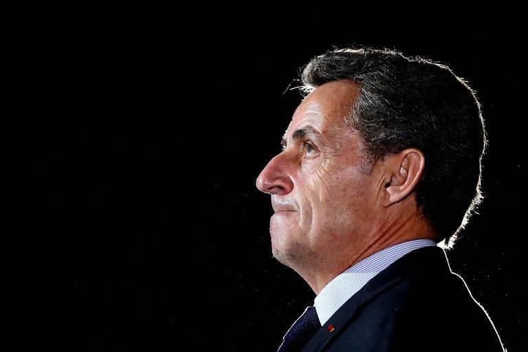 O ex-presidente da França Nicolas Sarkozy durante comício em Chaumont