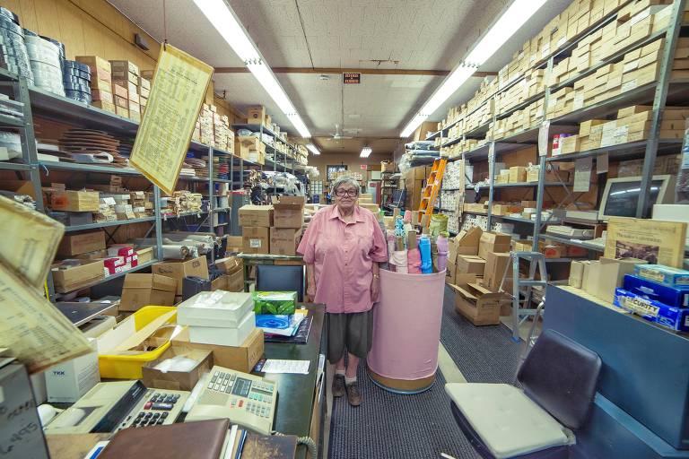 Fotógrafo retrata donos de pequenos negócios