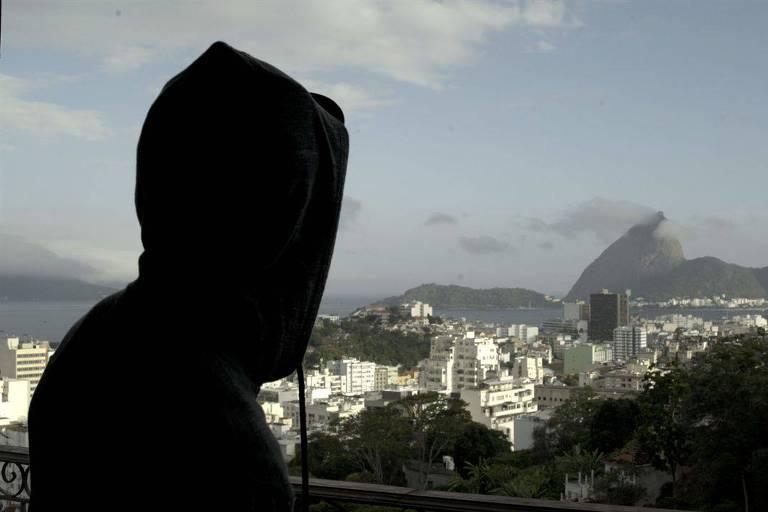 """Cena de """"Relatos do Front - Fragmentos de uma Tragédia Brasileira"""""""
