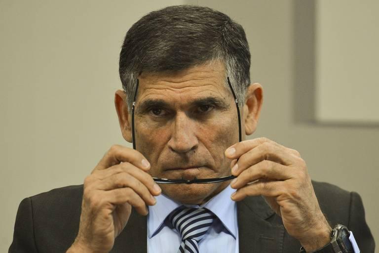 'Show de besteiras', diz Santos Cruz a revista sobre governo Bolsonaro