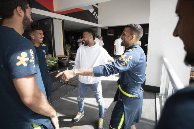 21/06/2019 - O atacante Neymar visita concentração da seleção brasileira em São Paulo antes de partida contra o Peru, pela Copa América (crédito: Lucas Figueiredo/CBF)