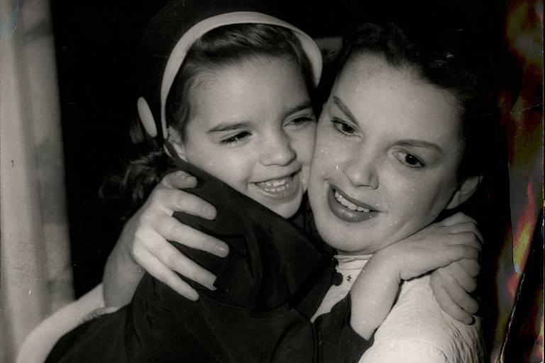 Judy Garland e Liza Minelli em foto sem data