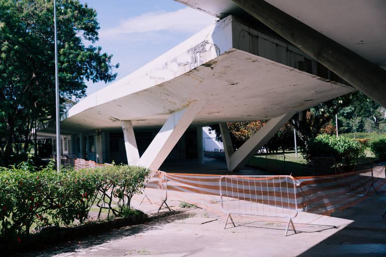 A área entre o restaurante The Green, desativado em 2015, e o Pavilhão das Culturas Brasileiras, é um dos pontos mais críticos