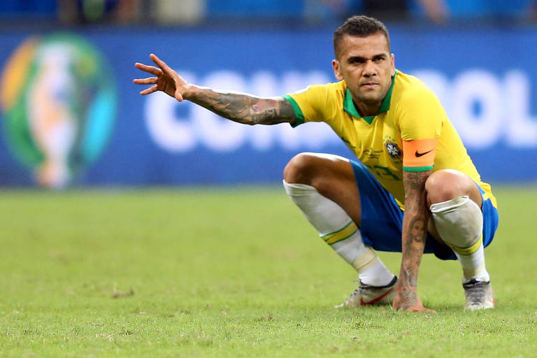 Daniel Alves no duelo contra a Venezuela, em Salvador