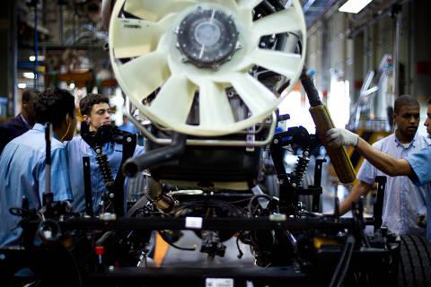 Estudos indicam o colapso de investimentos no Brasil