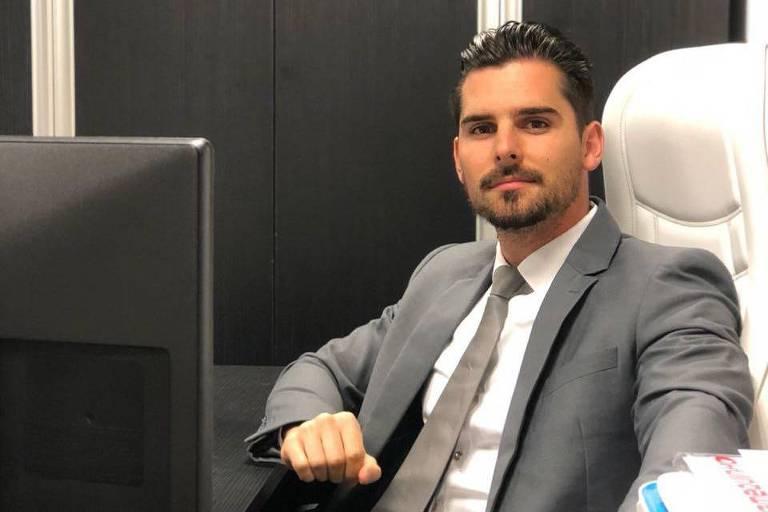 O proprietário da Olacarro, Jeremy Dupont, em escritório em Curitiba