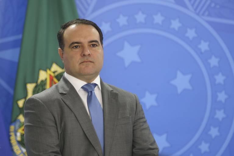 Bolsonaro deve indicar Jorge Oliveira para o Ministério da Justiça -  26/04/2020 - Mônica Bergamo - Folha