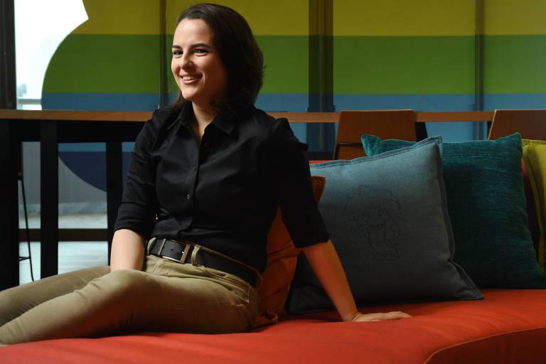 Gabriela Coelho, engenheira de vendas e líder do grupo LGBT na empresa Saleforce