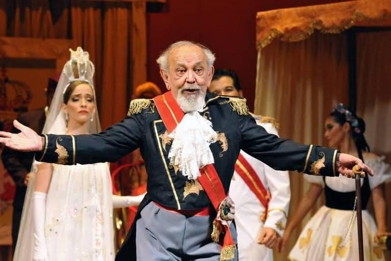 Haroldo Serra, diretor de teatro e ator, profissionalizou a cena teatral cearense