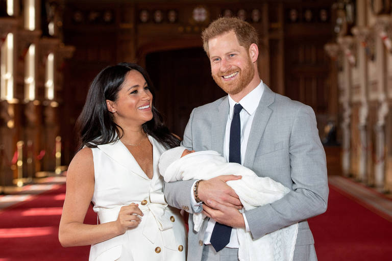 Harry and Meghan posam com Archie