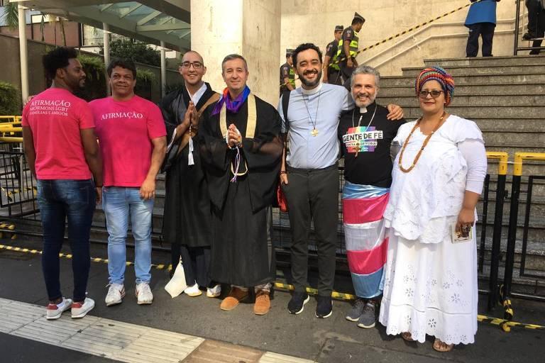 Público religioso na Parada LGBTI+