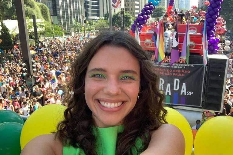 Bruna Linzmeyer na Parada Gay de SP