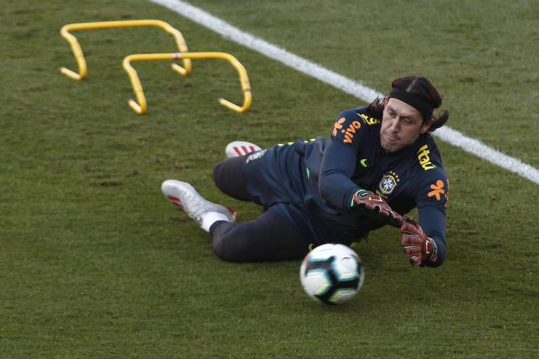 O goleiro Cássio durante treino da seleção brasileira, no dia 10 de junho