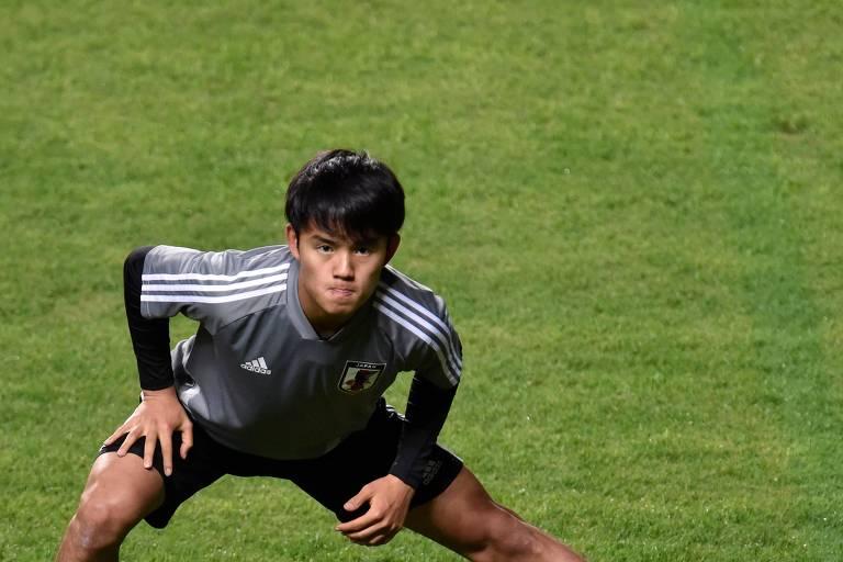 O jogador Takefusa Kubo durante treino da seleção japonesa na sexta (21)